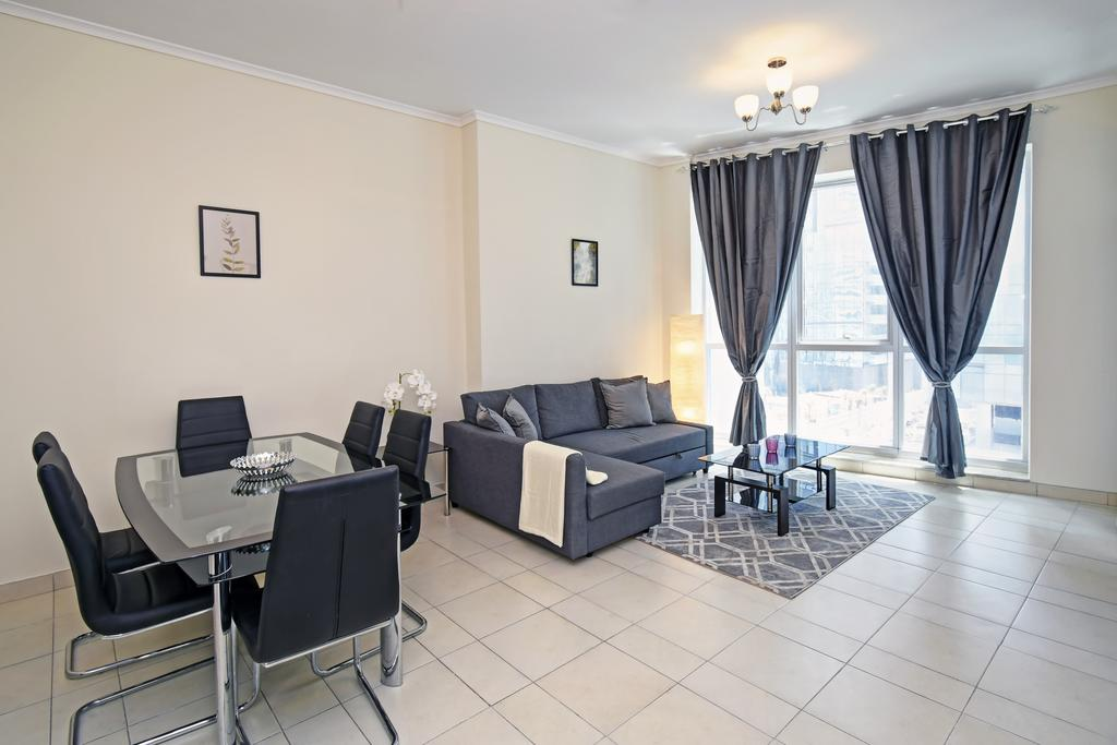 1 Bedroom in Dubai Marina by Deluxe Holiday Homes